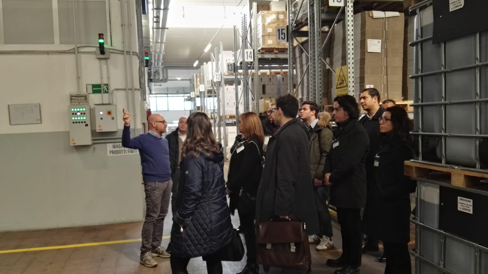 Visitando fábricas en italia